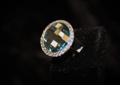 Bague-argent-zirconium-bleu-et-zirconiums-blancs-400x284