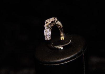 Bague-or-blanc-et-diamants-1-400x284