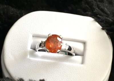 Bague-grenat-orange-diamant-princesse-400x284