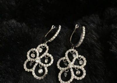 Boucles-doreilles-diamants-or-blanc-400x284
