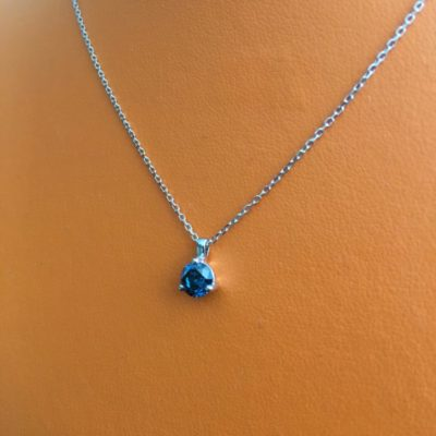 Collier-or-blanc-diamant-bleu-400x400